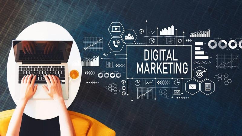 persamaan perbedaan digital marketing vs internet marketing
